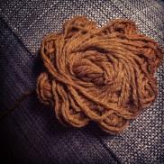 laine 50% et poils de chameau 50% couleur Pain d'épices (Textiles de la marque Toutesenlaine.com)