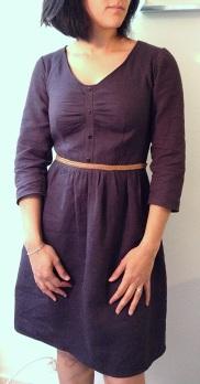 robe Sureau en lin, ceinture tressée en cuir