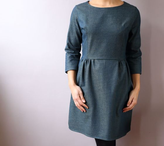 Sigma dress en denim de Papercut patterns