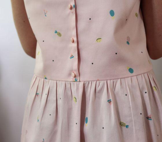 modèle de robe japonais dans le tissu tutti frutti d'Un chat sur un fil