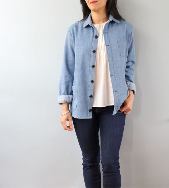 Archer Button up de Grainline Studio, version veste en jean- le coussin du singe