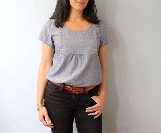 Scout Woven tee-shirt modifié de Grainline Studio- Le coussin du singe